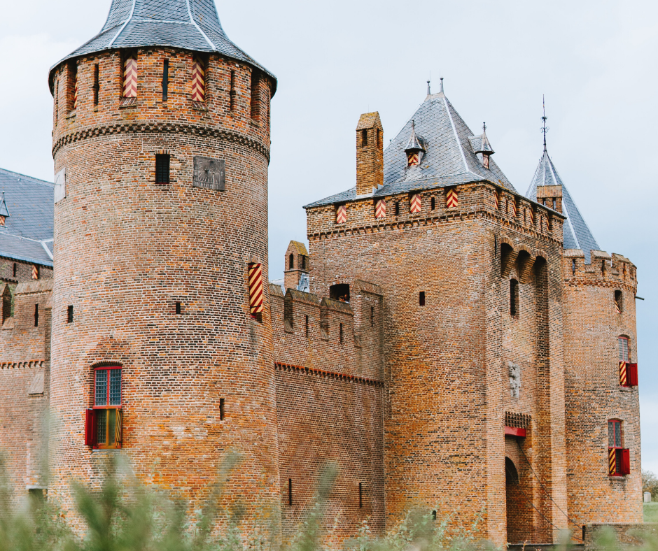 Muiderslot-&-De-Waard-Castle
