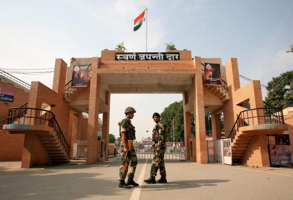 india_pakistan_wagah_border.jpg