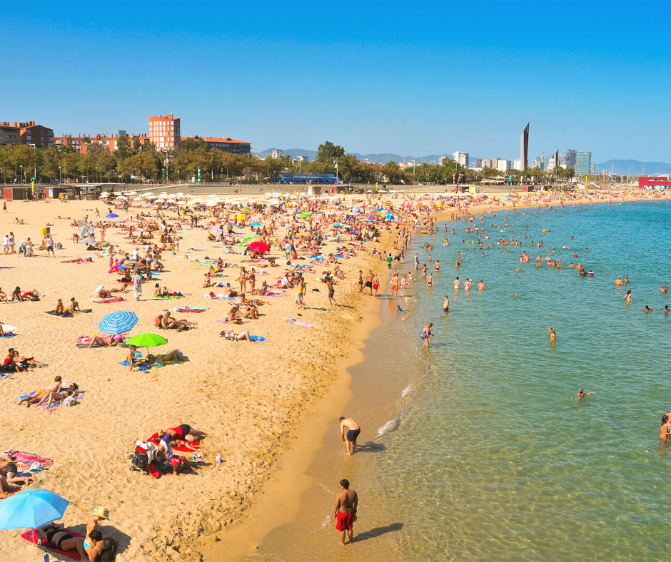 crowded-beaches-in-barcelona