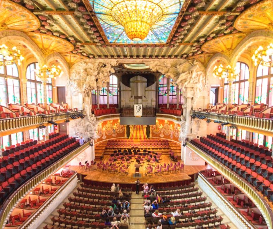 inside-view-of-palau-de-la-música-catalana