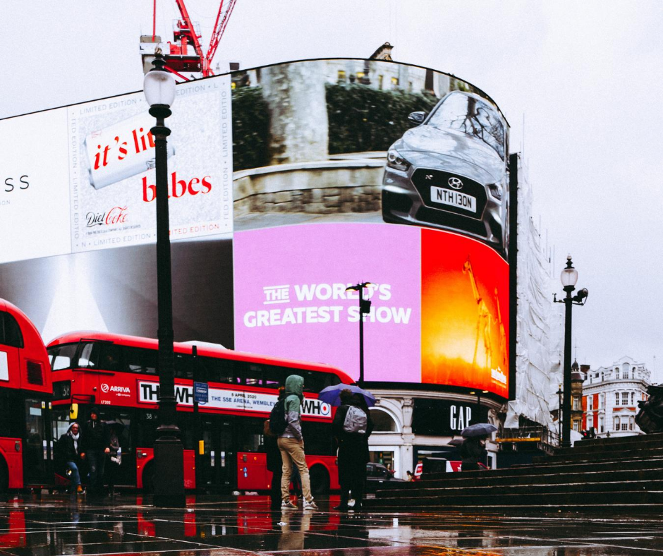 rainy-day-at-the-piccadilly-circus-in-london